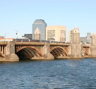 longfellow bridge connecting beacon hill boston with cambridge mass
