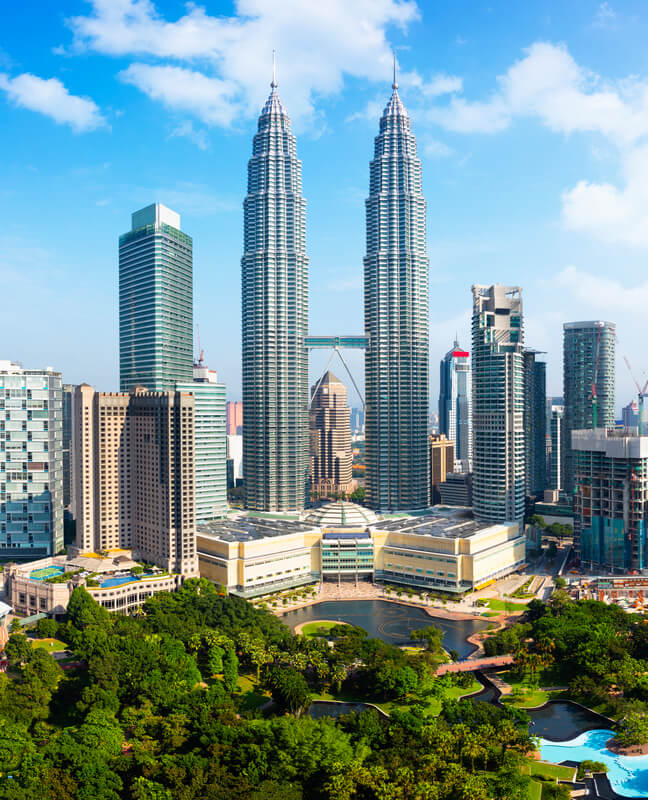 the Petronas Twin Towers, tallest buildings in the world from 1998 to 2004