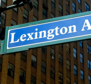 midtown manhattan street sign