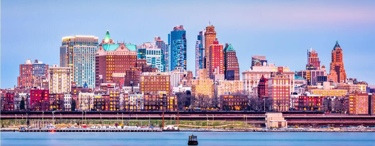 Brooklyn skyline featured image - Ariel Property Advisors brokers Brooklyn office deal