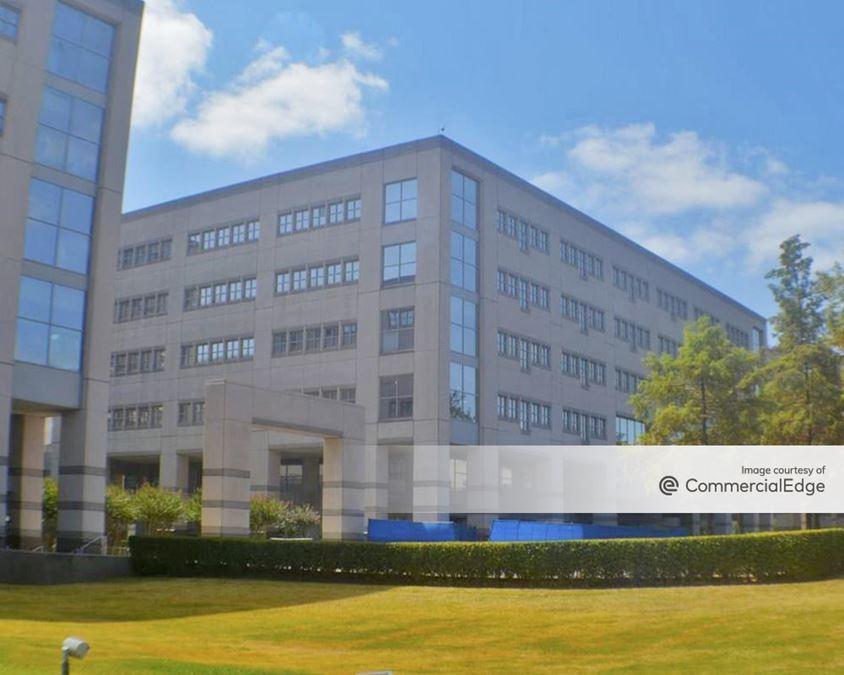 Broadmoor Austin - Building 5