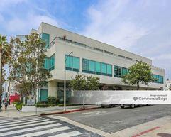 2121 Wilshire Blvd - Santa Monica