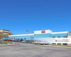 Renaissance Center I - West Allis