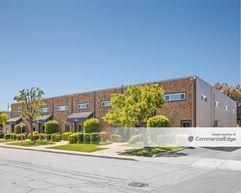 Vincent Center - 3301-3309 & 3317-3329 Vincent Road - Pleasant Hill