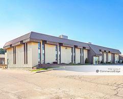 Spartan Motors Corporate Headquarters - Charlotte
