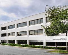 8 Corporate Center Drive - Melville