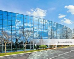Lakewoods Corporate Center - Schaumburg