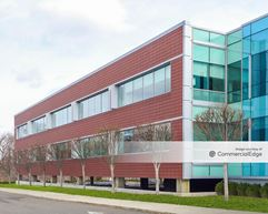 Sylvan Corporate Center 4 - 940 Sylvan Avenue - Englewood Cliffs