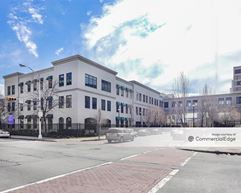 320 University Avenue - Newark