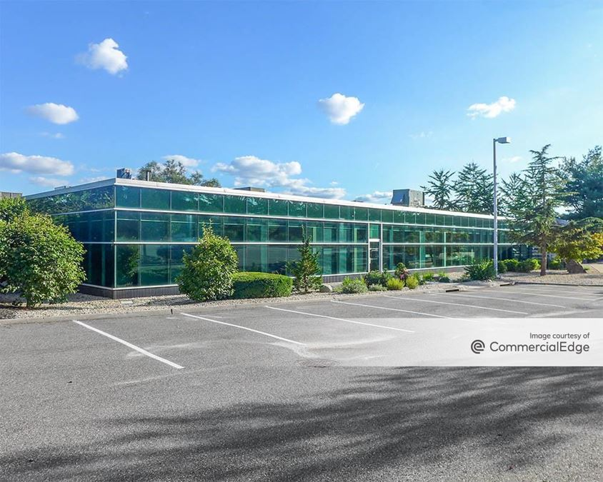 Crossways Corporate Park - 250 Crossways Park Drive