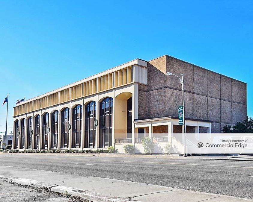 100 East Kleberg Avenue