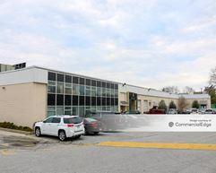 Downingtown Technical Center - 402-498 Acorn Lane - Downingtown