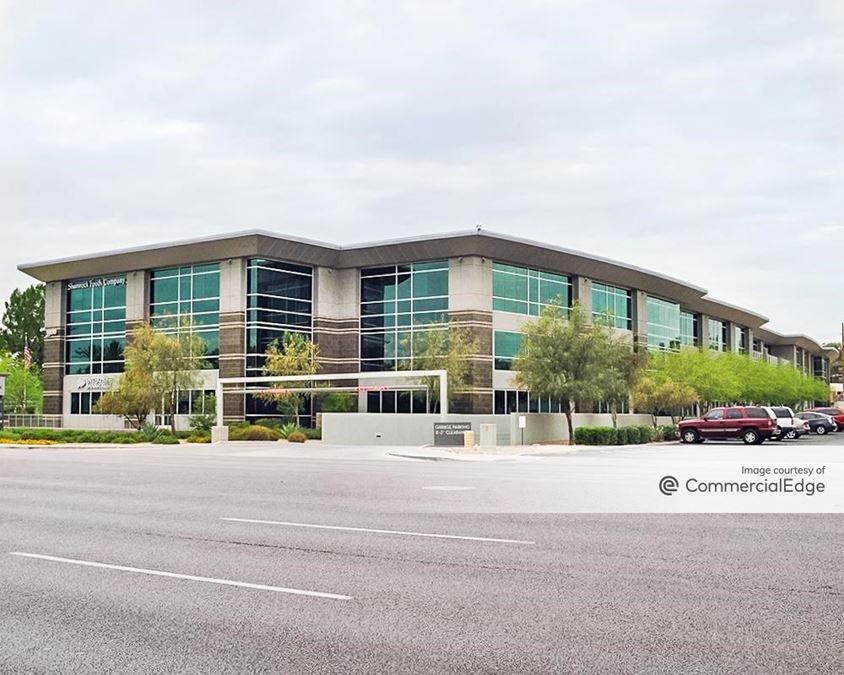3900 Camelback Center