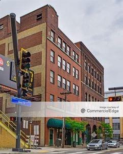 100 Ross Street - Pittsburgh