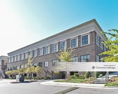 Wake Forest Baptist Health Medical Plaza - Country Club Commons - Building 4614 - Winston-Salem