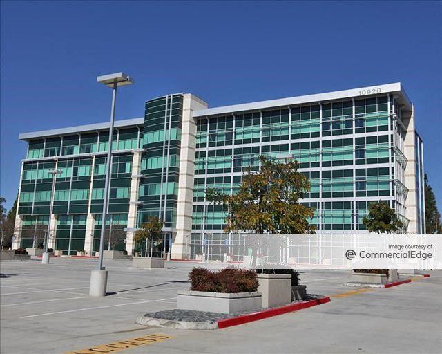 The Pinnacle Executive Center