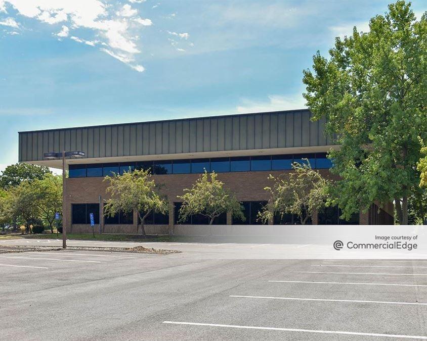 Busch Corporate Center - 6460 Busch Blvd