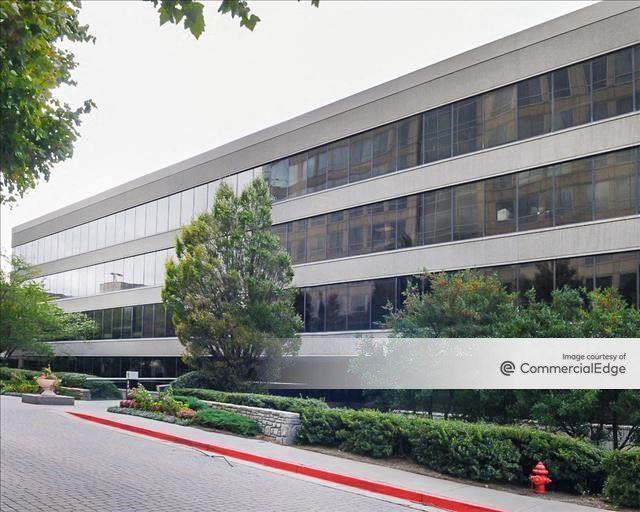 Palisades Office Park - B