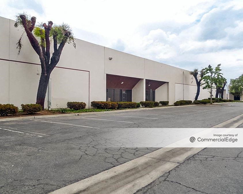 Riverview Business Park - 1811-1833 Riverview Drive