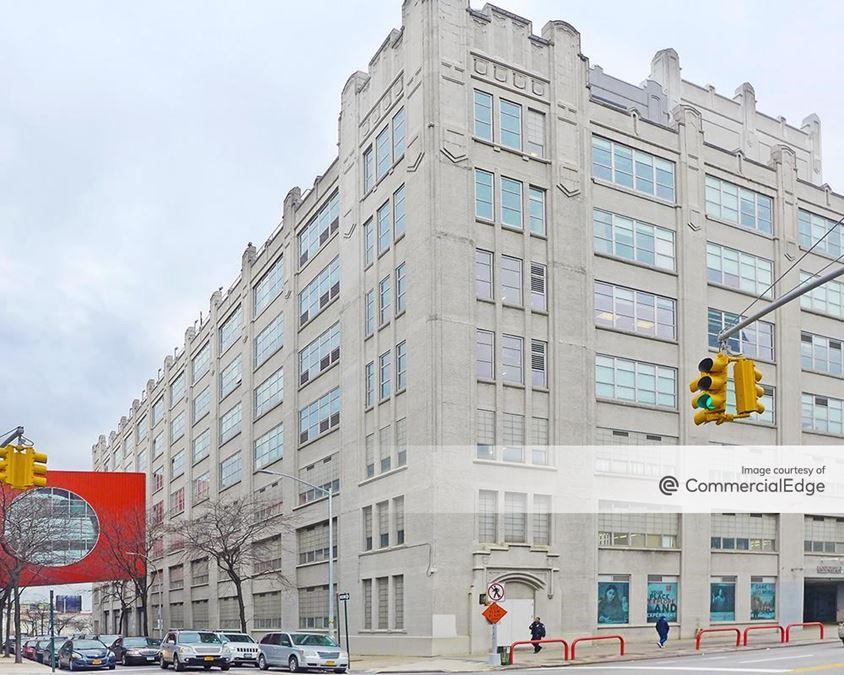 Queens Atrium Corporate Center - 30-30 Thomson Avenue