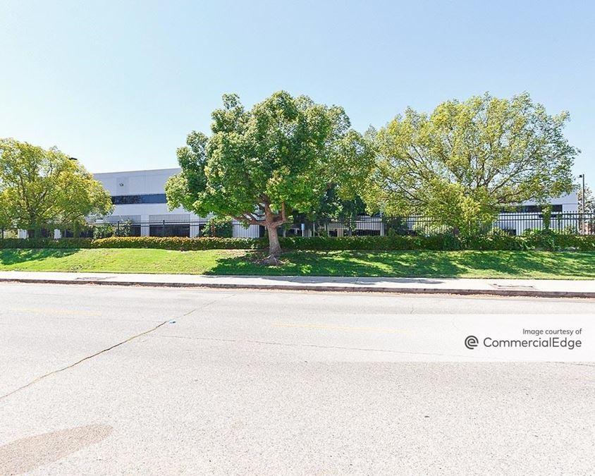 9401 Oakdale Avenue