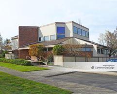 Parkway Willamette Professional Center - Eugene