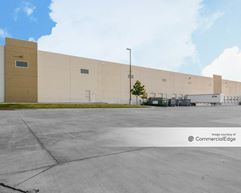 Majestic Airport Center - Building VII - Lewisville