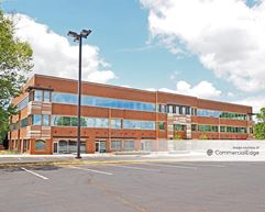 University Executive Park - 8210-8220 University Executive Park Drive & 201 McCullough Drive - Charlotte