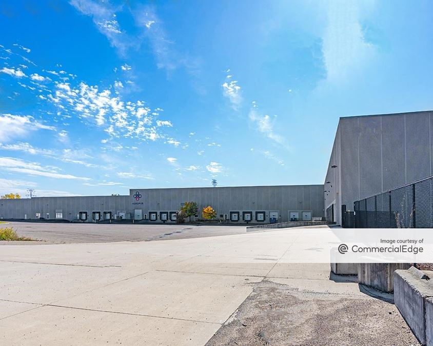 WOW Logistics Savage Distribution Center - 6633 State Highway 13 West