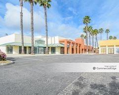 Gateway Village Shopping Center - Ventura