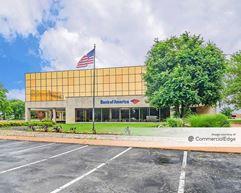 2200 West Port Plaza Drive - St. Louis
