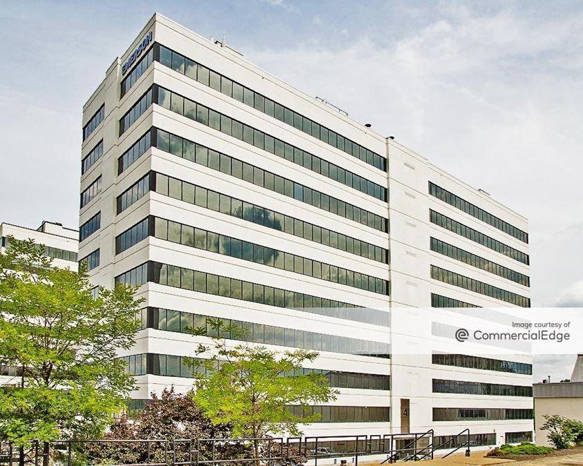 Penn Center East - Building 4