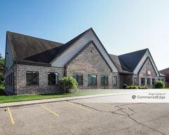 8155, 8158 & 8161 Marketplace Office Park - Lansing