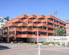 Levi's Plaza - Haas Building - San Francisco