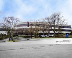 Corporetum Office Campus I & II - Lisle