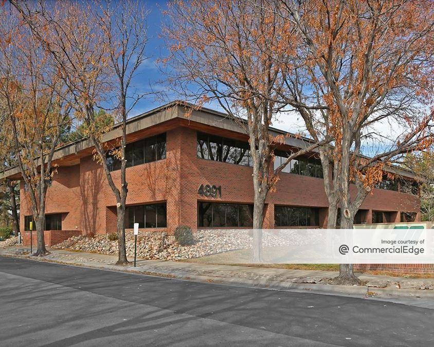 70 Executive Center - 4891 Independence Street