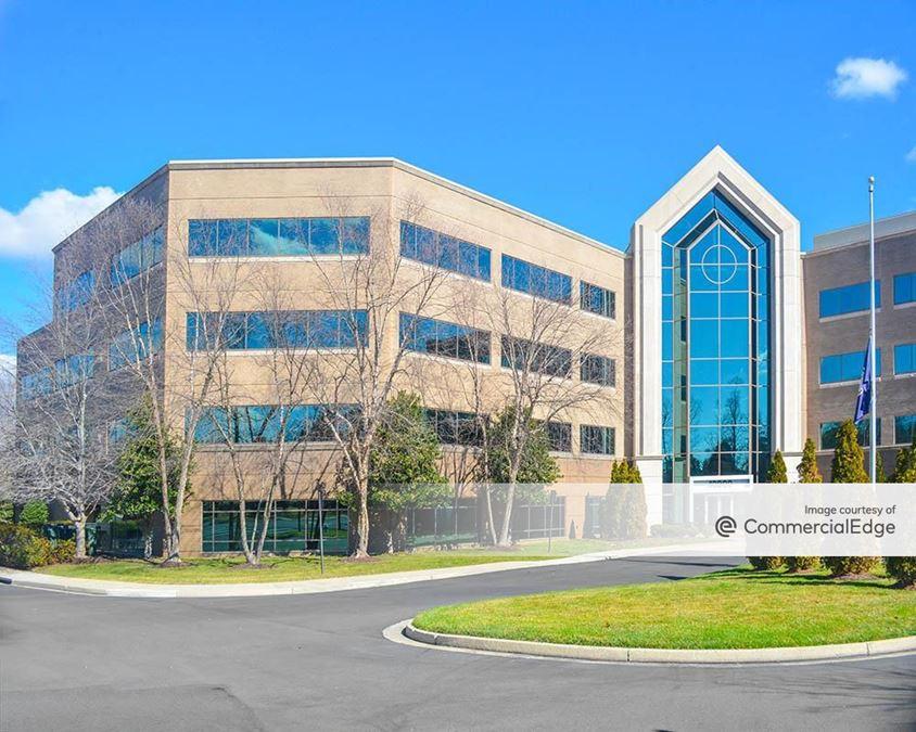 Innsbrook Corporate Center - Highwoods One