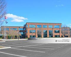 Innsbrook Corporate Center - 5640 Cox Road - Glen Allen