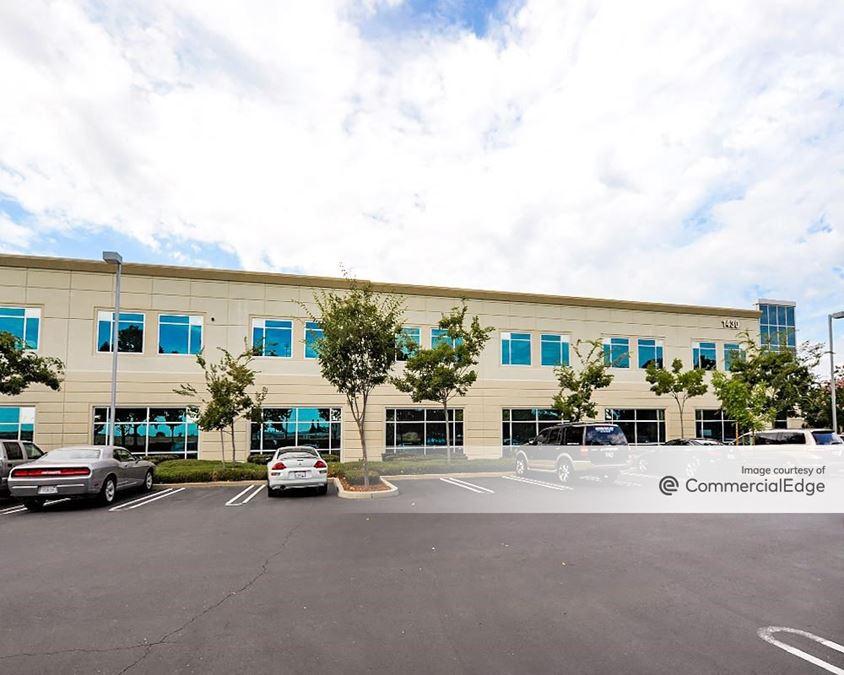 Blue Oaks Corporate Center