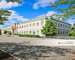 University Pavilion Building - Wayne