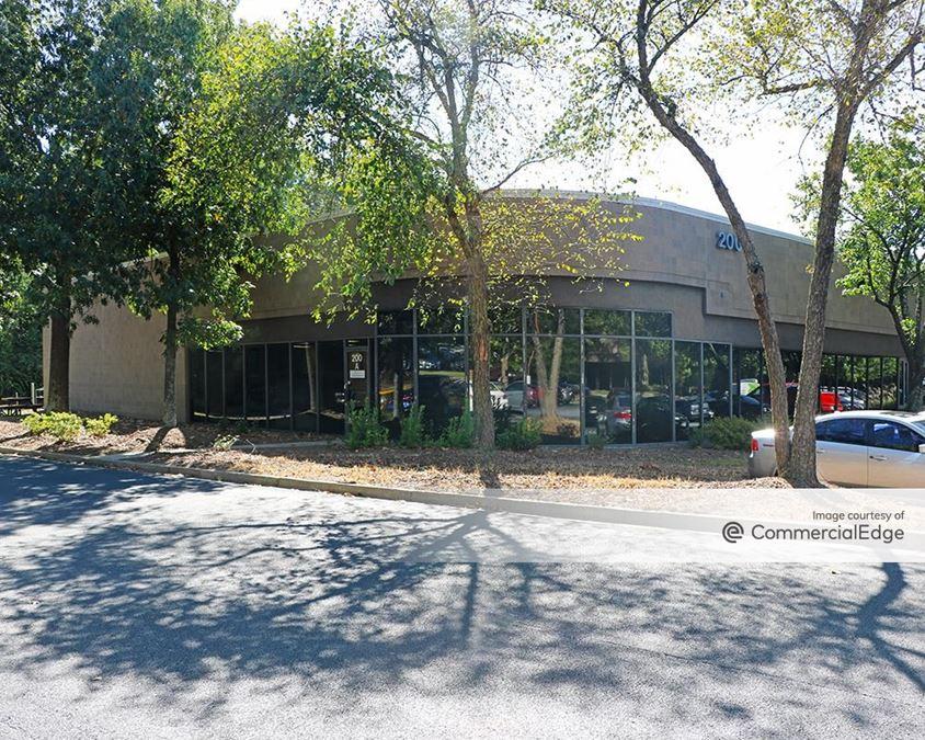 Lake Ridge Technology Center - 200 & 300 Technology Court SE