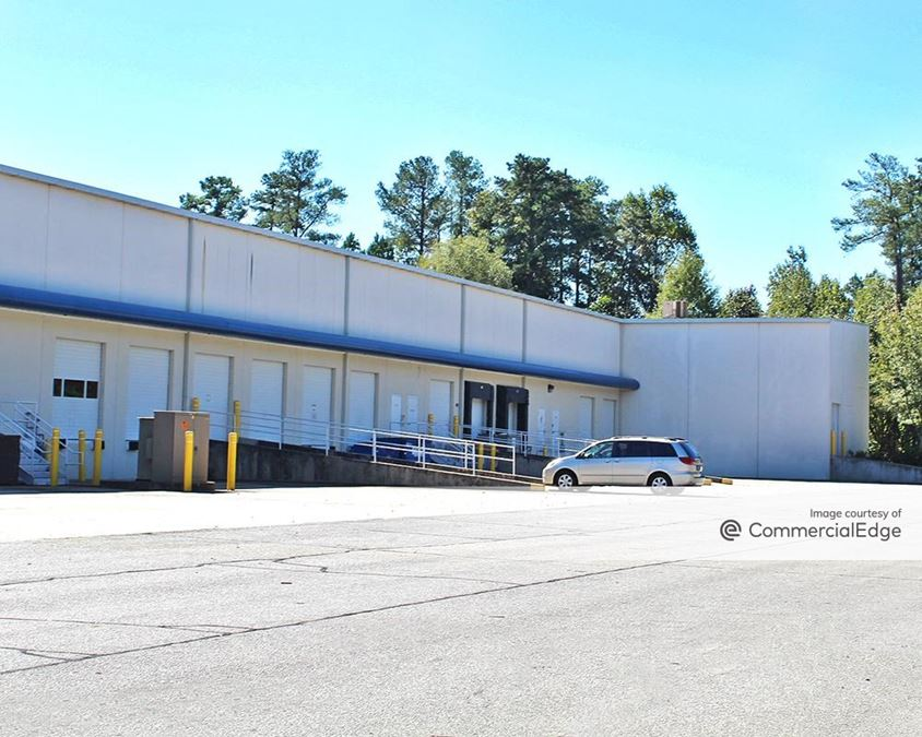 Peachtree Industrial Center - 1400 Northbrook Pkwy NW