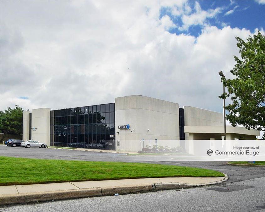 Airport Corporate Center - 4170 Veterans Memorial Hwy