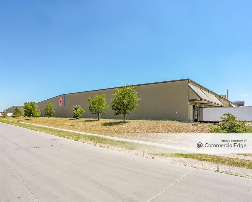 The Great Western Industrial Park - 11133 Eastman Park Drive