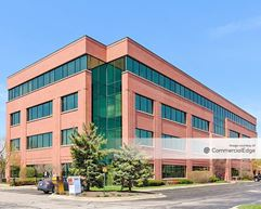 Randall Point Executive Center - 2250 Point Blvd - Elgin
