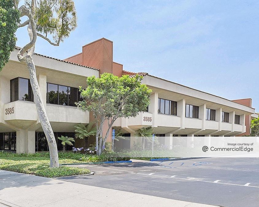 Buenaventura Financial Center - 3585 Maple Street & 290 Maple Court