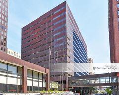 Two Ruan Center - Des Moines