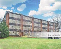 Royal Glen Office Center - Glen Ellyn