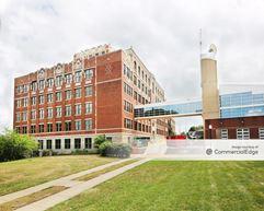 Westport Commons Plexpod - 300 East 39th Street - Kansas City