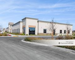 Crown Pointe Business Center - Building 1700 - Bakersfield